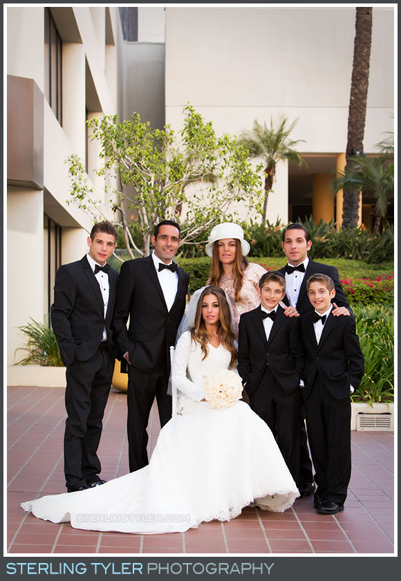 bride family portrait la hotel
